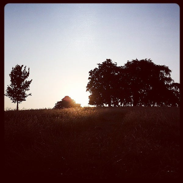 7/21/2013 tarihinde Christopher R.ziyaretçi tarafından Hampstead Heath'de çekilen fotoğraf
