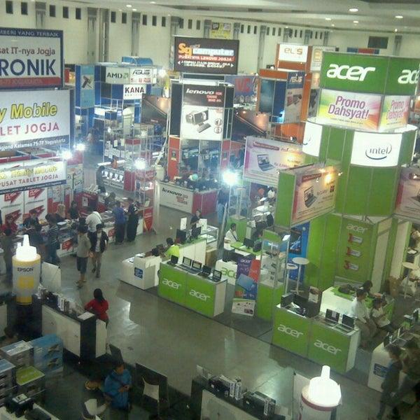 Das Foto wurde bei Jogja Expo Center (JEC) von Chepy S. am 6/10/2013 aufgenommen