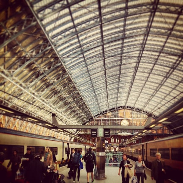 Photo taken at London St Pancras International Railway Station (STP) by Hugo G. on 4/23/2013