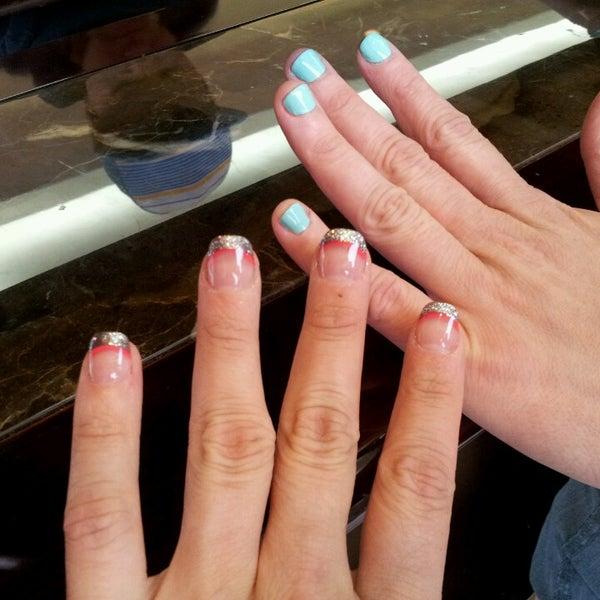 Pink Nails - 66 visitors
