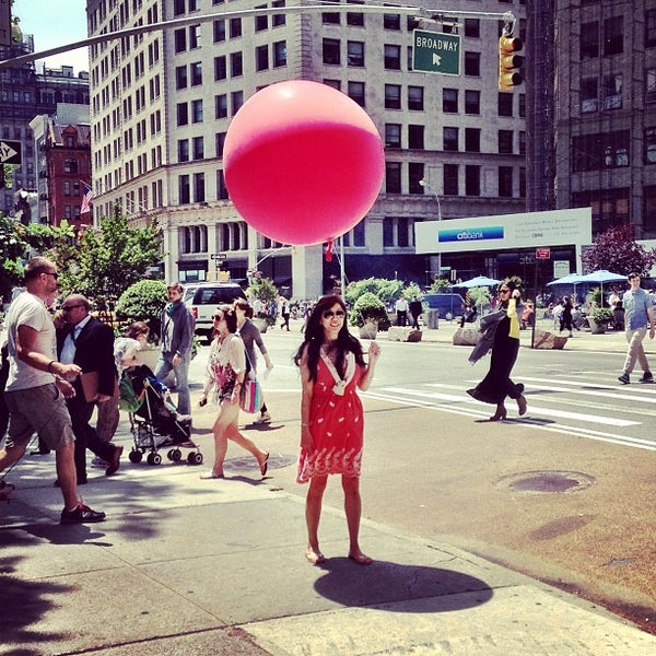 Foto diambil di Madison Square Park oleh Leonardo D. pada 6/5/2013