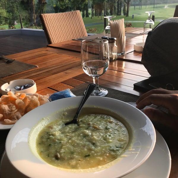 9/22/2017 tarihinde Stanley P.ziyaretçi tarafından Pondok Indah Golf & Country Club'de çekilen fotoğraf