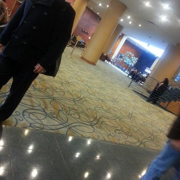 Foto diambil di The Watson Hotel oleh Constance R. pada 3/13/2013