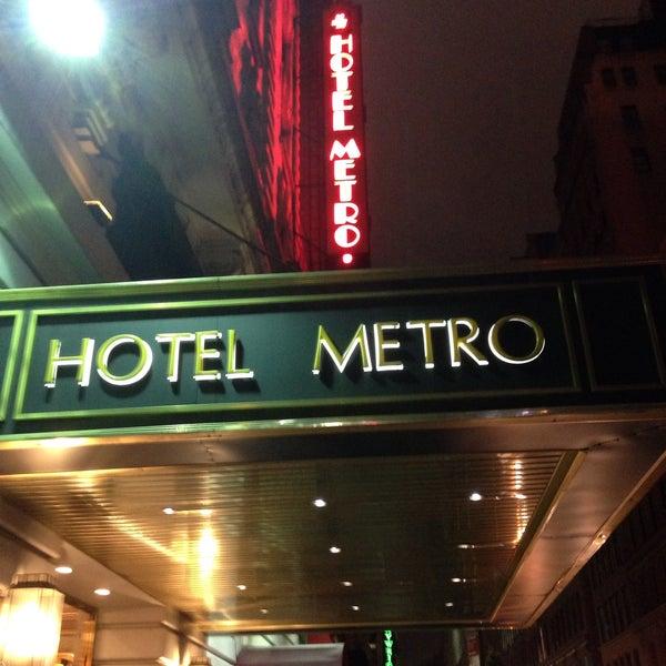 Photo taken at Hotel Metro by Ricardo M. on 7/31/2016