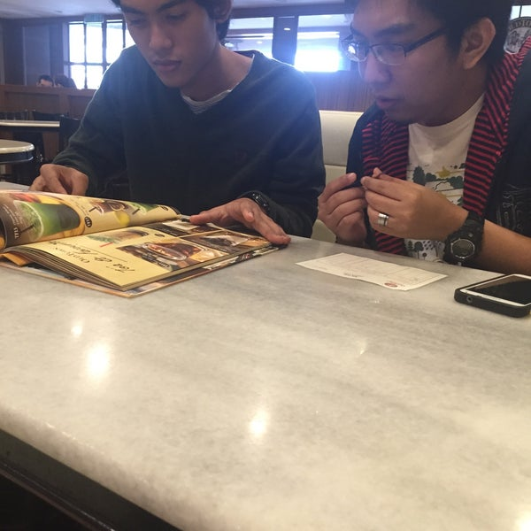 Photo taken at OldTown White Coffee by Nabella A. on 8/3/2015