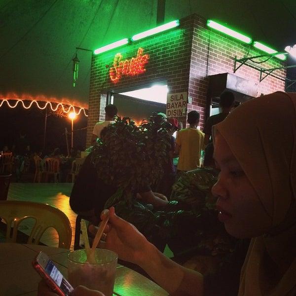Photo taken at Zie's Corner by Khairul Aizat K. on 4/29/2015