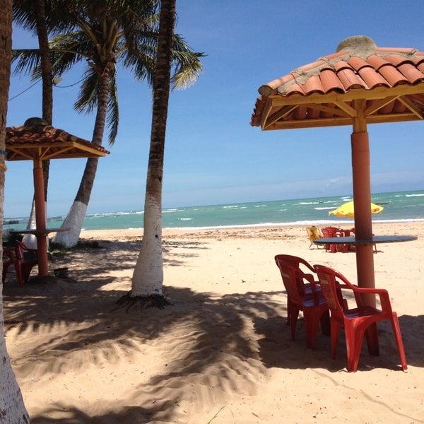 Foto tirada no(a) Praia de Guaxuma por Antonio Sérgio V. em 10/28/2014