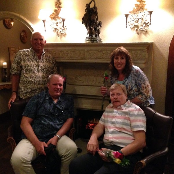 Photo taken at Villa Bellini Restaurant & Lounge by Diane J. on 5/9/2015