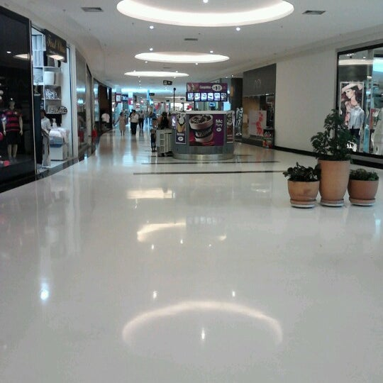 Foto tirada no(a) Boulevard Shopping Campos por Marcos P. em 9/17/2012