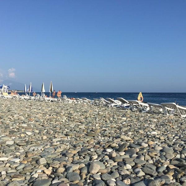 Снимок сделан в Radisson Blu Resort Beach пользователем Татьяна К. 8/1/2016