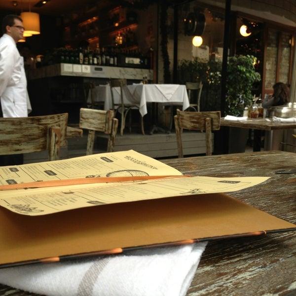 Foto tomada en Rocco & Simona Pizza al Forno por Alejandro S. el 1/5/2013