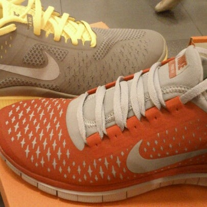 Photo taken at Nike Factory Store by Kong Chin T. on 12/30/