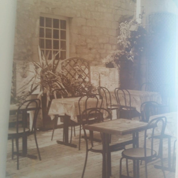 Foto tirada no(a) Florbela Café por Cinthia F. em 10/2/2016