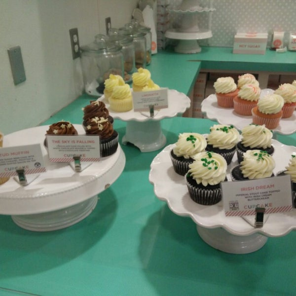 Photo taken at Sift Cupcake & Dessert Bar by Jerry W. on 3/15/2015