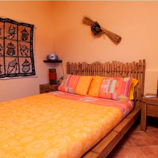 Abbiamo ancora disponibile la camera Ibisco, matrimoniale con bagno e giardino vista mare per alcune notti in agosto. Contattaci