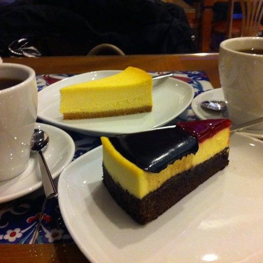 1/27/2013 tarihinde Cagla I.ziyaretçi tarafından Maria's Cheesecakes'de çekilen fotoğraf
