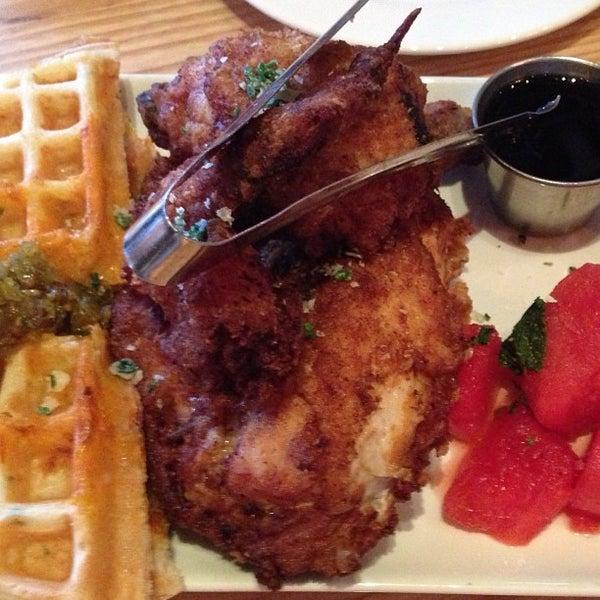 Photo taken at Yardbird Southern Table & Bar by In NYC on 7/4/2013