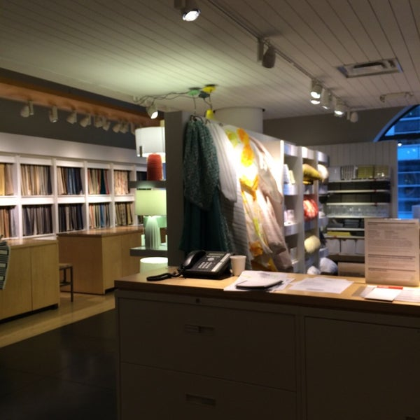 Photo taken at Crate and Barrel by Liza N. on 5/24/2014