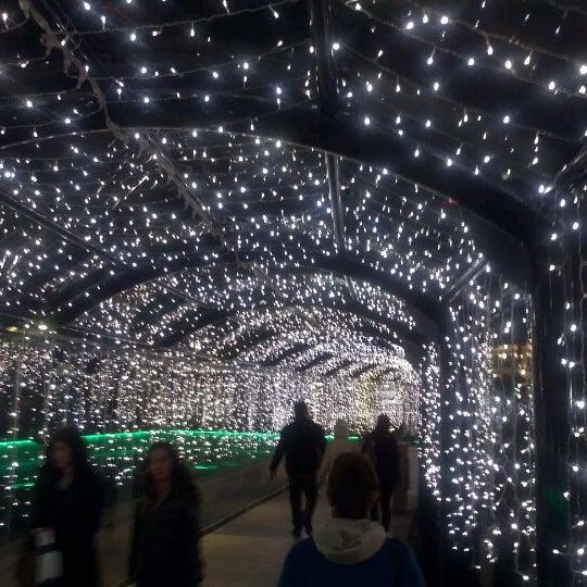 12/2/2012 tarihinde Oguz A.ziyaretçi tarafından Atlantis Alışveriş ve Eğlence Merkezi'de çekilen fotoğraf