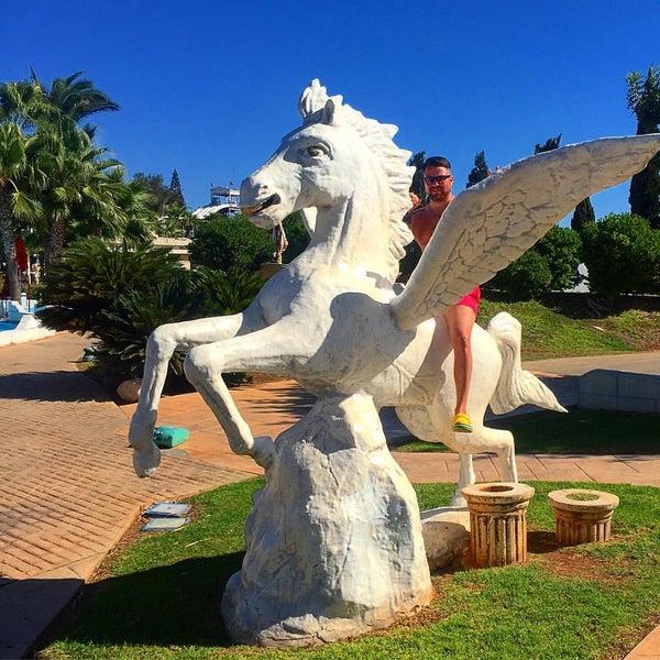 Photo taken at Makronissos Beach by Vl@dlen✌ on 9/28/2016