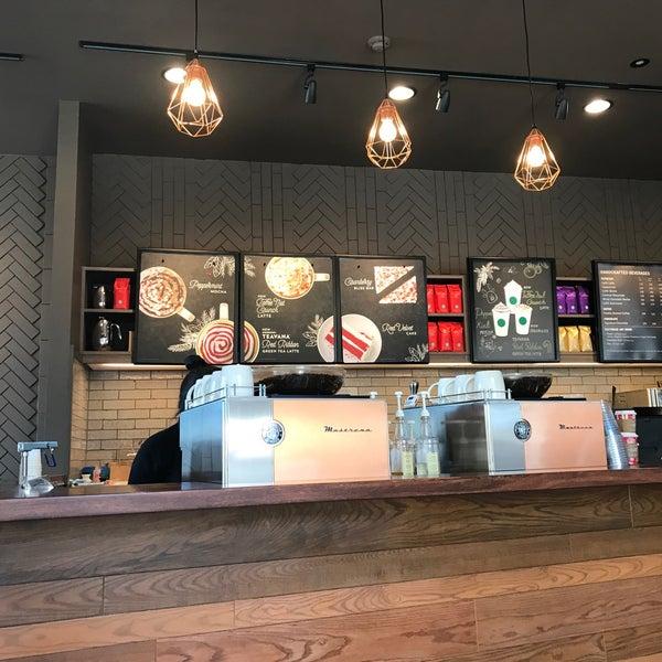 Photo taken at Starbucks by Genobkk on 11/27/2016