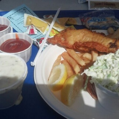 Photo taken at Harbor Fish and Chips by Ideene on 9/28/2012