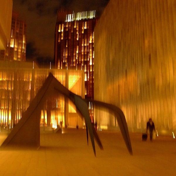 11/26/2012にEliane v.がLincoln Center for the Performing Artsで撮った写真