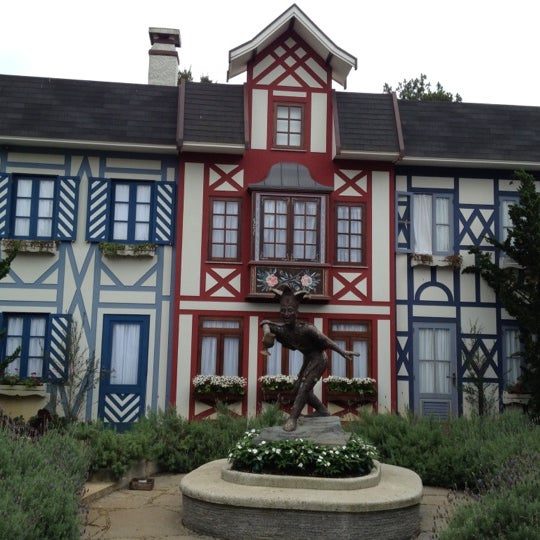 Foto tirada no(a) Vila St. Gallen por Geraldo S. em 11/4/2012