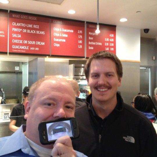 Photo taken at Chipotle Mexican Grill by PorkChopEclipse on 11/20/2012