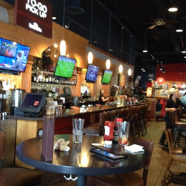 Photo taken at Red Robin Gourmet Burgers by Douglas H. on 10/2/2013