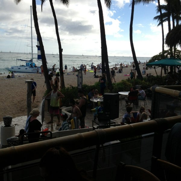 Photo taken at Duke's Waikiki by Douglas H. on 7/13/2013