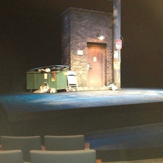 Photo taken at Steppenwolf Theatre Company by Alex G. on 11/18/2012