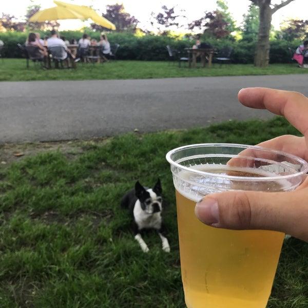 Das Foto wurde bei Governors Island Beer Co. von Sean L. am 5/25/2018 aufgenommen