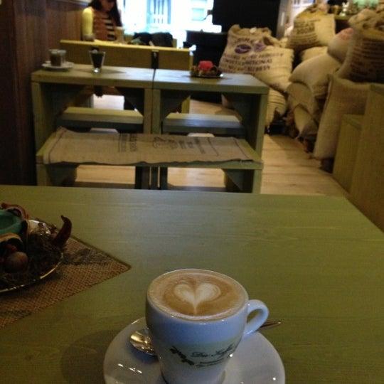 Das Foto wurde bei Die Kaffee Privatrösterei von T.H. H. am 12/11/2012 aufgenommen