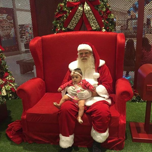 Foto tirada no(a) Parque Shopping Maia por Leandro R. em 11/27/2016