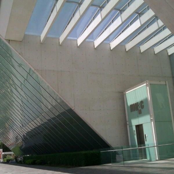 Foto tomada en MUAC (Museo Universitario de Arte Contemporáneo). por Ciky C. el 3/23/2013