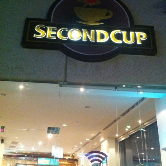 Photo taken at SECOND CUP by Aref A. on 9/26/2012