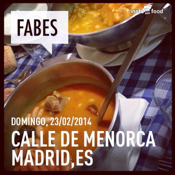 Foto tomada en Carlos Tartiere Restaurante Sidrería por Isa H. el 2/23/2014