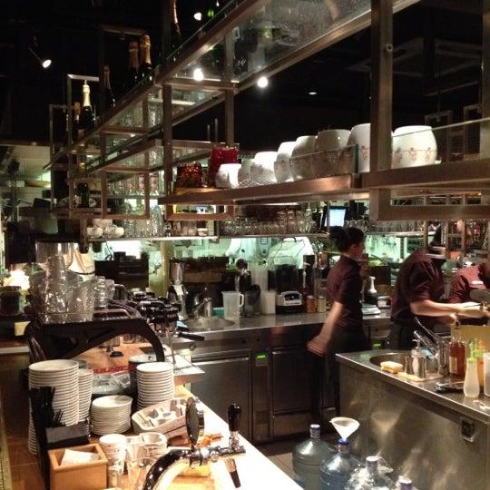 Снимок сделан в Кофемания пользователем Eugene . 10/10/2012