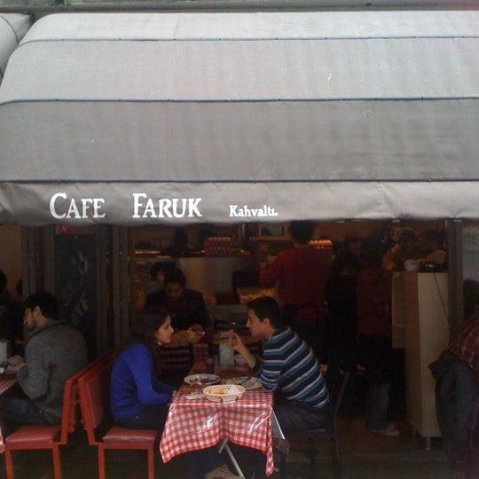 11/18/2012 tarihinde She w.ziyaretçi tarafından Café Faruk'de çekilen fotoğraf