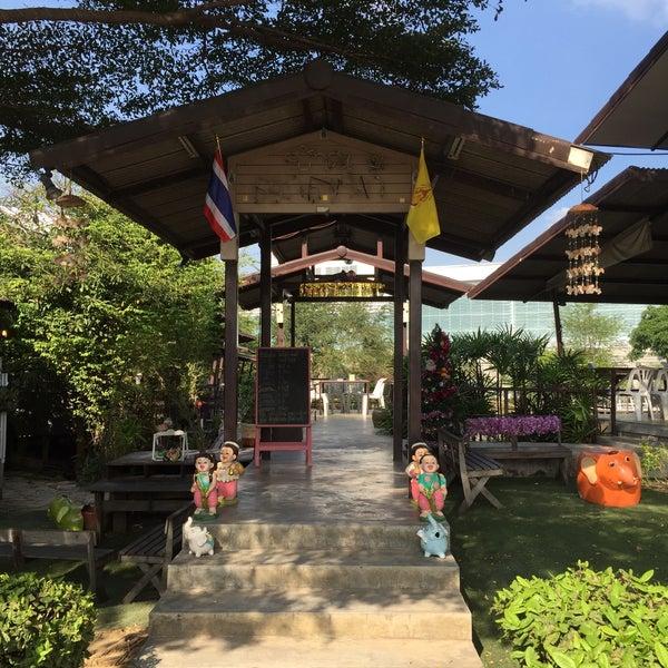 Photo taken at บ้านเอกเขนก by สันติธร ย. on 12/26/2015