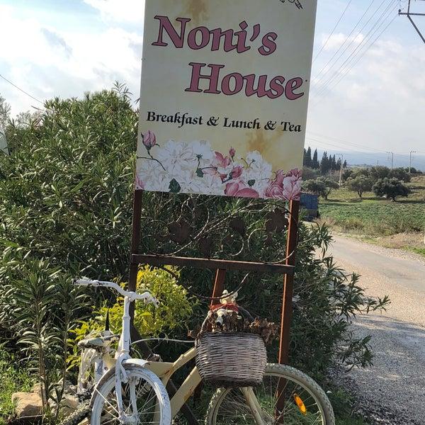 1/7/2018 tarihinde ozgeAziyaretçi tarafından Noni's House'de çekilen fotoğraf