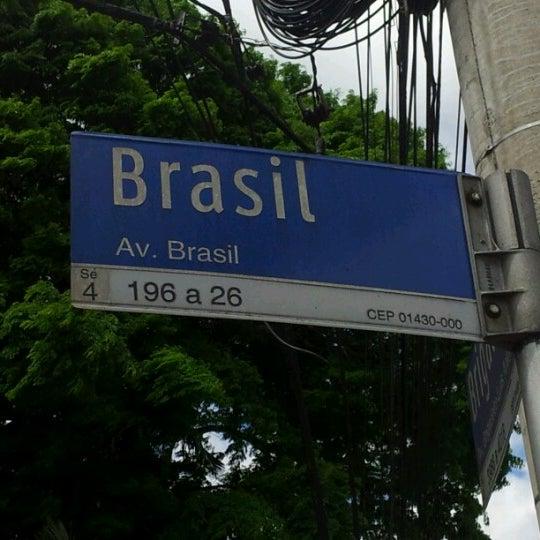 Photo taken at Avenida Brasil by Állan G. on 11/17/2012
