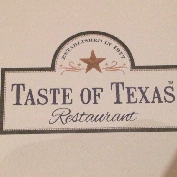 Foto tomada en Taste of Texas por Kangdon L. el 9/7/2014