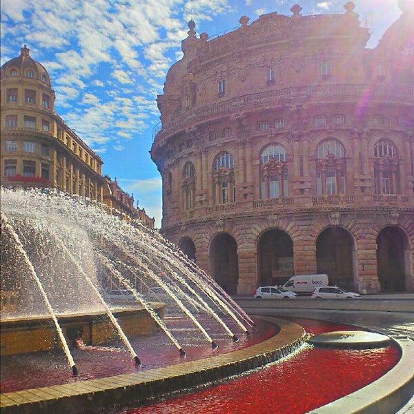 Foto scattata a Piazza de Ferrari da Simone D. il 9/28/2012
