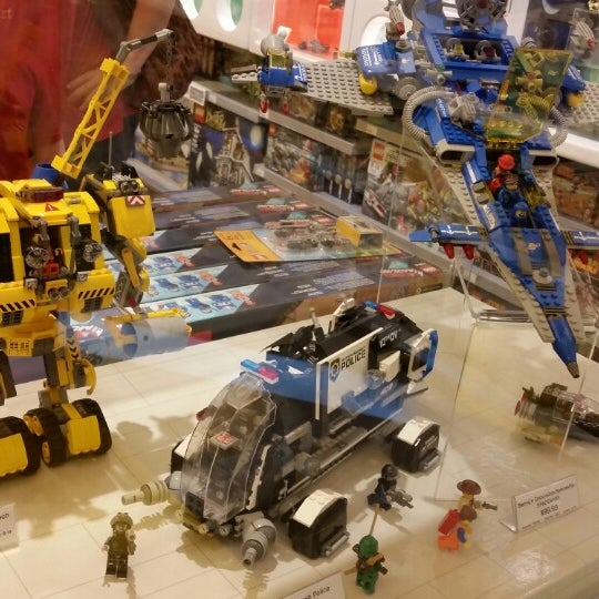 Photo taken at The LEGO Store by Lisa on 6/3/2014