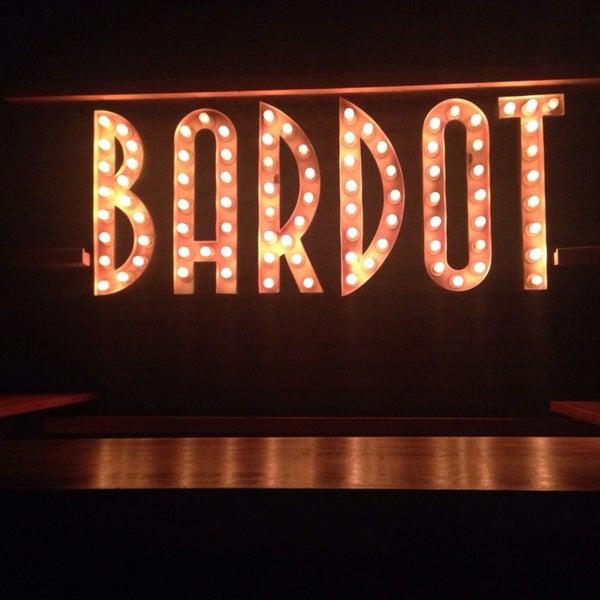 Foto tomada en Bardot por Sofi B. el 6/27/2014