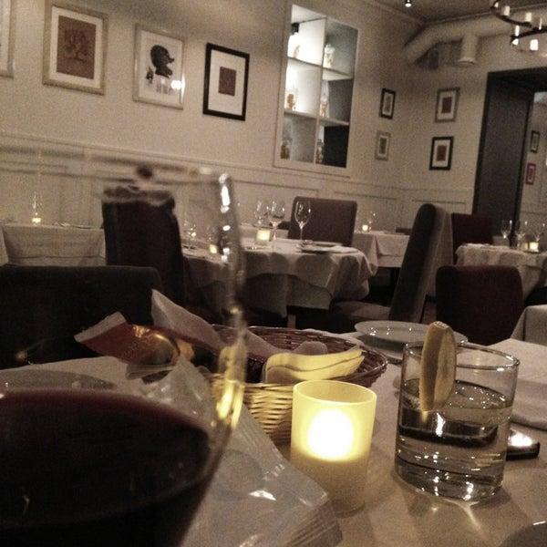 Foto tomada en Romeo's Bar & Kitchen por Иришка el 1/9/2013