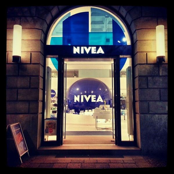 NIVEA Haus Berlin Tienda de cosméticos en Unter den Linden