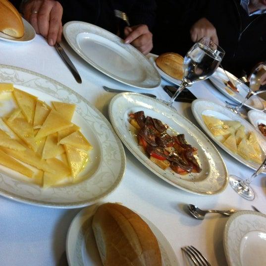 Photo taken at Restaurante El Caballo Rojo by Vakutek V. on 11/11/2012